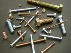 写真:冷間圧造用炭素鋼線・機械構造用炭素鋼線・冷間圧造用合金鋼線を六角ボルトに使用