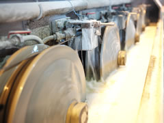 写真:湿式鉄線