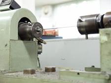 写真:捻り試験機